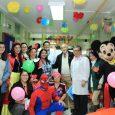 Este martes se hizo una visita especial a la sala de pediatría del hospital central para obsequiarles un espacio de celebración en el marco del mes del niño