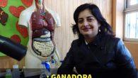 La destacada ganadora del premio Global Teacher Prize, es profesora de ciencias naturales de la Escuela Lucila Godoy Alcayaga de la Villa de Huequén.
