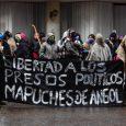 Una convocatoria a marchar afavor de los presos en huelga de hambrerealizaroncomuneros mapuches de Angol,en la región de La Araucanía.