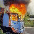 Dos vehículos resultaron dañados por un ataque incendiario pasado el cruce Mininco en la comuna de Collipulli, región de La Araucanía.